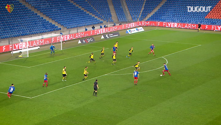 Darian Males' stunning goal vs Young Boys