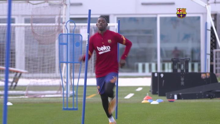 Dembélé ya toca balón en su recuperación