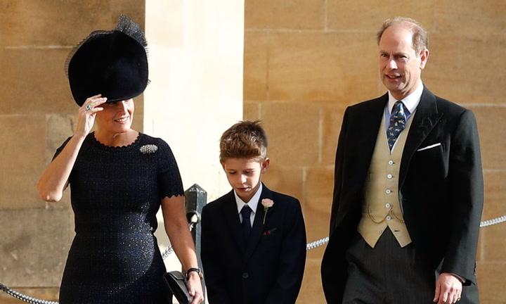 Los duques de Wessex a su llegada a la boda de Eugenia de York