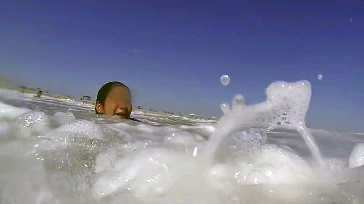 Reddes fra bølgene i siste liten