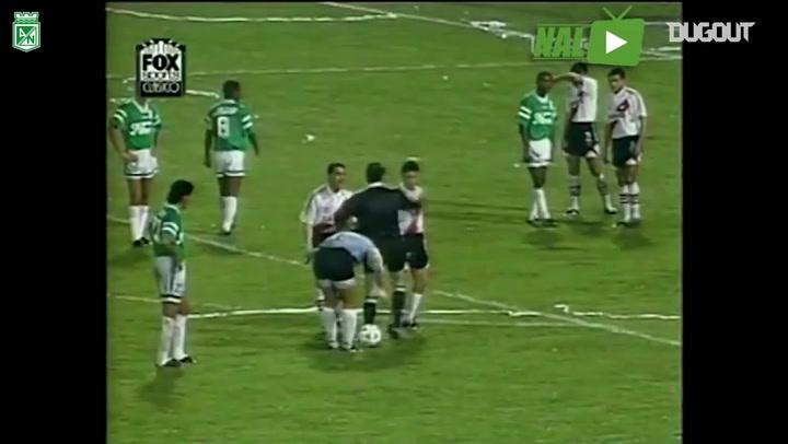 René Higuita's free-kick goal vs River Plate
