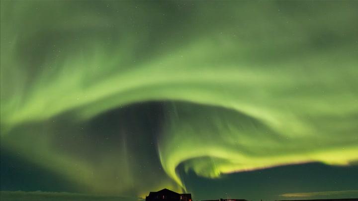 Magisk nordlys over sagaøya
