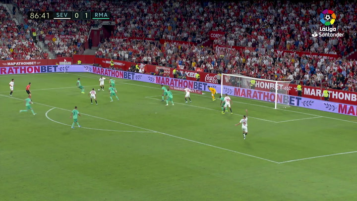 Chicharito marcó al Madrid en el 87', pero en fuera de juego