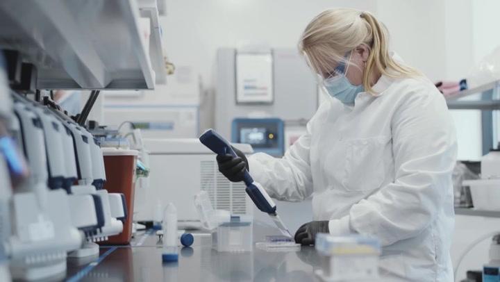 Moderna dice que su vacuna es efectiva contra variantes británica y sudafricana