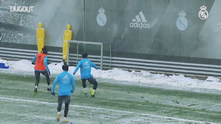 Snowy training session at Real Madrid City