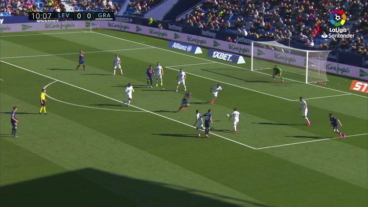 Gol de Roger (1-0) en el Levante 1-1 Granada