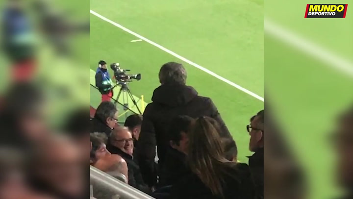 Quique Setién acudió al palco del Johan Cruyff para ver el Barça B - Badalona