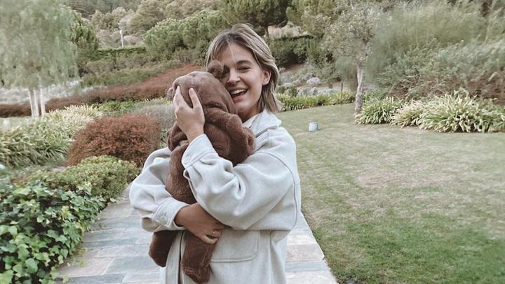 Laura Escanes, la viva (y divertida) imagen de una mamá ocupada