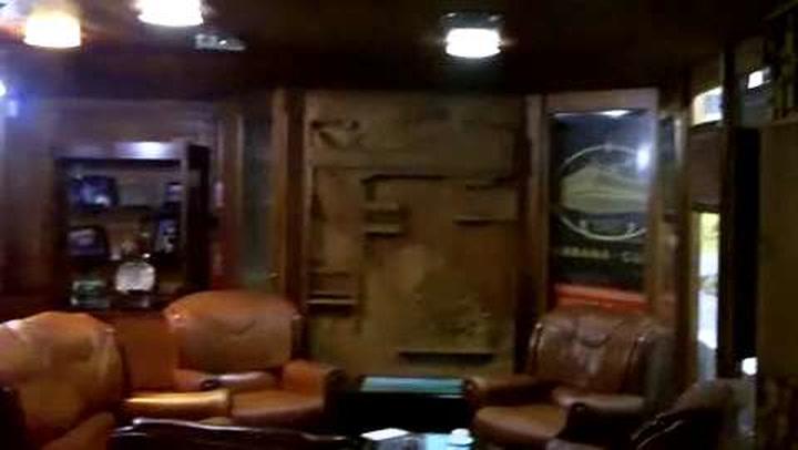 World's Busiest Cuban Cigar Shop