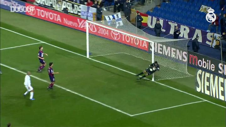 Free Kicks: Luis Figo Vs Eibar