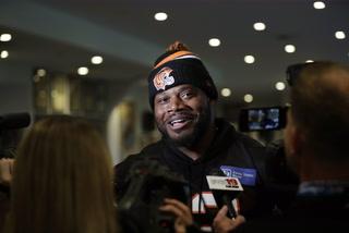 Raiders Sign Linebacker Preston Brown – VIDEO