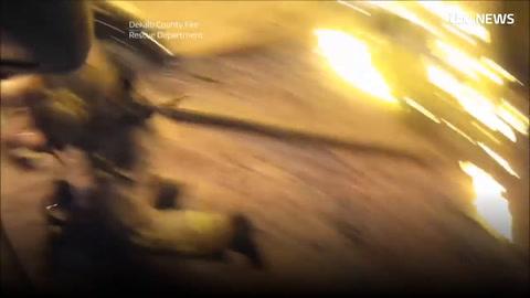 El video del espectacular rescate de una nena durante un incendio