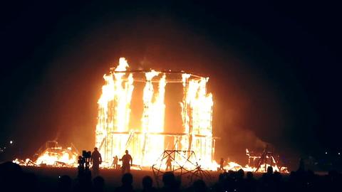 Un hombre murió al arrojarse a las llamas en el Burning Man Festival