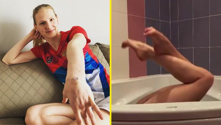 Romashina desvela su futura rutina olímipica en la bañera de su casa