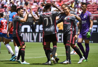 Benfica golea a Chivas en la International Champions Cup
