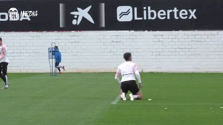 Cheryshev, principal novedad del Valencia para viajar a Valladolid