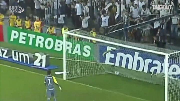 Robinho's delightful chip vs Grêmio