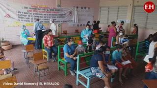 En escuela de colonia Hato de Enmedio brindan atención pediátrica