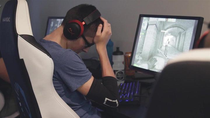 Gamer Gods Battle Between School and Gaming