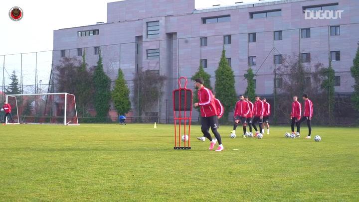 Gençlerbirliği'nde Galatasaray Deplasmanı Hazırlıkları Devam Ediyor