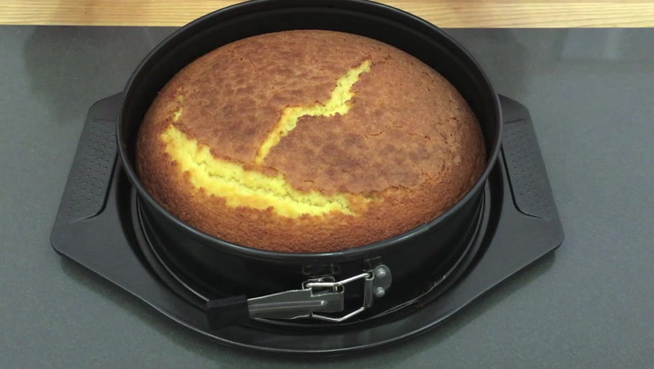 Preview image of Yuppiechef Springform Cake Pan video