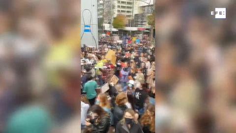Neozelandeses marchan en solidaridad con las protestas por la muerte de Floyd