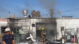 Fire at strip mall in east Las Vegas – VIDEO