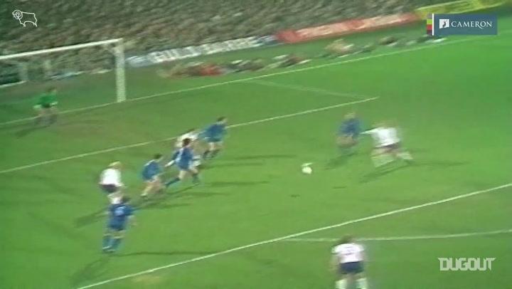 عودة بالذاكرة: هاتريك تشارلي جورج أمام ريال مدريد