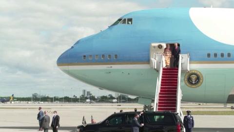 Trump llega a Florida, cobijado por sus seguidores