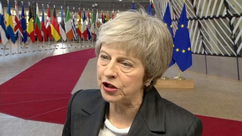 UE se impacienta con May que quiere salvar el acuerdo del Brexit