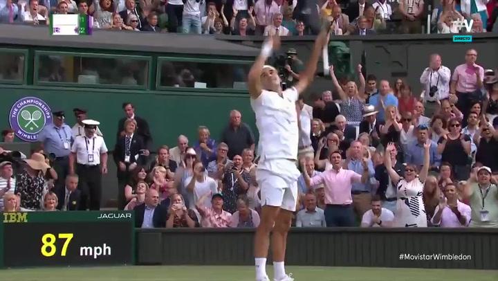 Un sublime Roger Federer aparta a Rafa Nadal de la final contra Djokovic