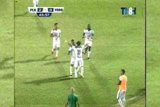 ¡GOLAZOOO! Rambo de León, de tiro libre hace el 2-0 ante el Yoro FC