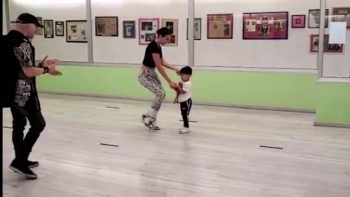 Georgina Rodríguez, bailando con Mateo, hijo de Cristiano Ronaldo