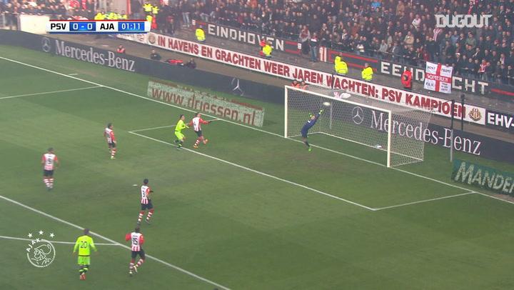 Ajax defeat PSV Eindhoven at the Philips Stadium