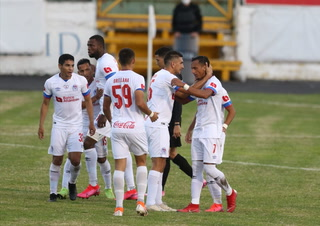 ¡Olimpia le receta una nueva paliza a un Honduras Progreso ausente en el Nacional!