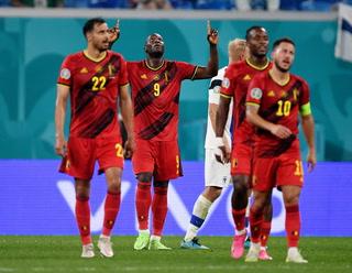 Bélgica consigue tranquila victoria ante Finlandia y se mete a los octavos de la Eurocopa