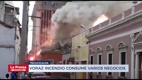 Voraz incendio consume varios negocios en el centro de Tegucigalpa