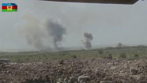 Armenia y Azerbaiyán, decididos a seguir combatiendo, pese a llamados internacionales