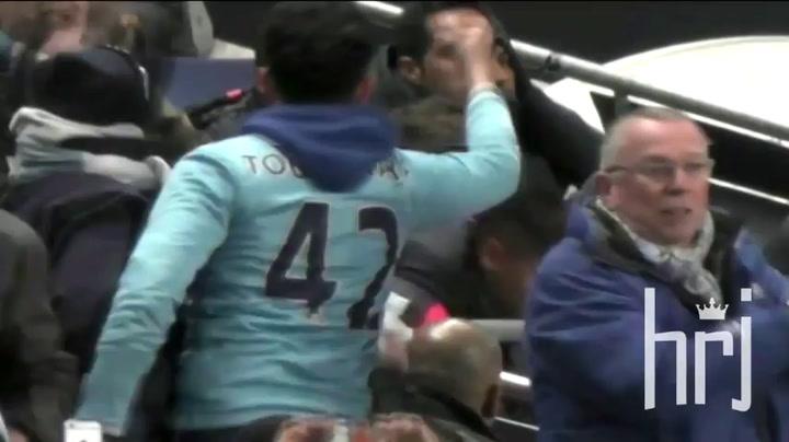 Bekijk de confrontatie tussen Neymar en de City-fan