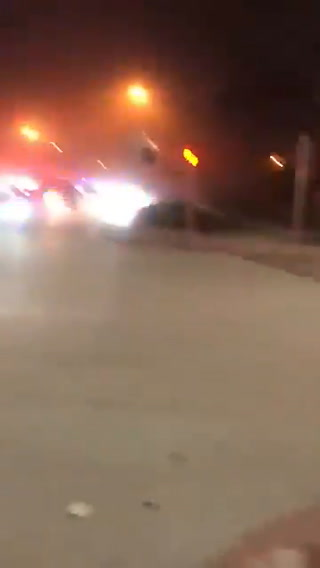 Más de 80 unidades de bomberos y servicios de rescate se encuentran en la escena del derrumbe en edificio de Miami