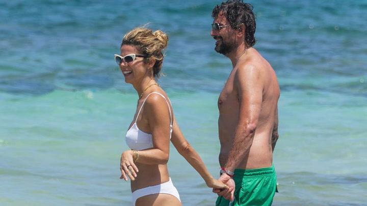 Juana Acosta y Charles Alazet, vacaciones en Ibiza y en familia