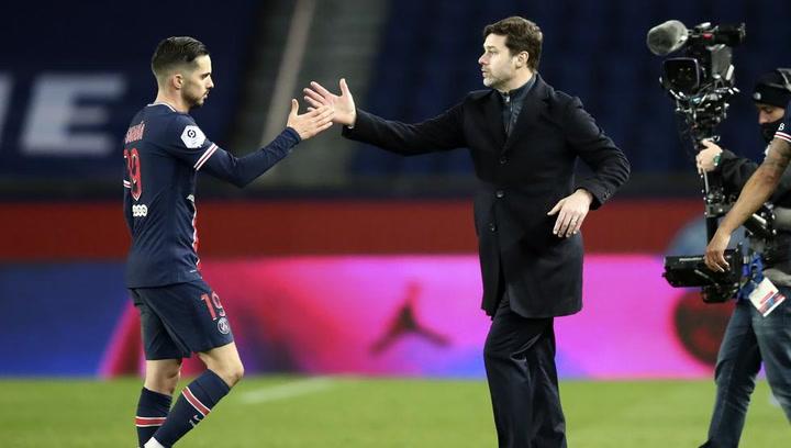 El entrenador del PSG, Mauricio Pochettino, ha querido aclarar en El Transistor la polémica generada en Barcelona tras las palabras de Di María sobre Messi