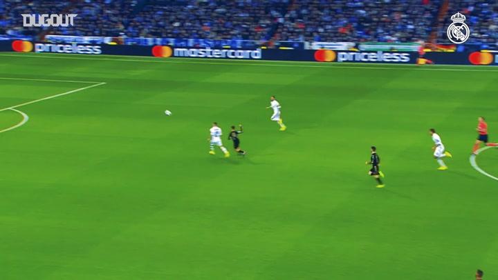 Real Madrid beat Napoli at the Santiago Bernabéu