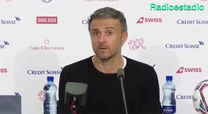 ¡Luis Enrique se enteró por la prensa de que Suiza acabó con 10!