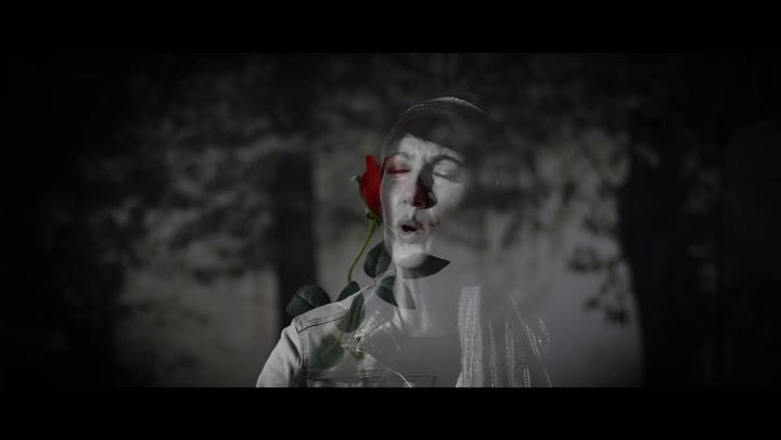 María Rodríguez - De Noche Y De Día (Videoclip)