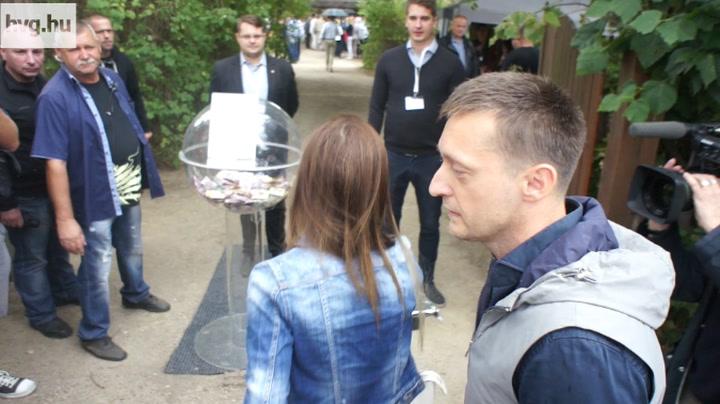 Kobra tekintetű-e Orbán Viktor?