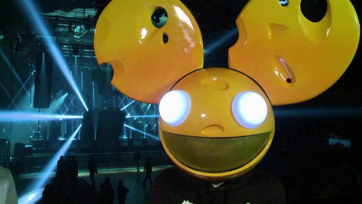 Deadmau5 Admits His Masked Field of Vision Really Sucks: #TBT 2011