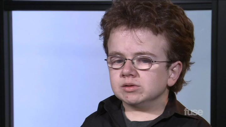 "Interviews: YouTube Sensation Keenan Cahill Talks ""Hands Up"" & New Original Songs"