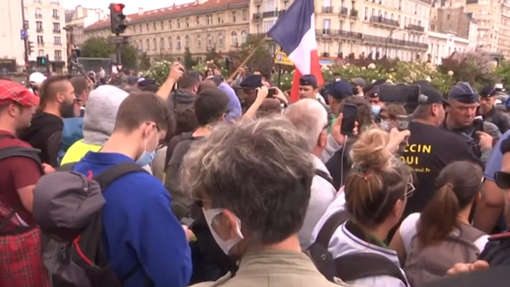 Thousands of people in Paris protest incoming 'virus pass'