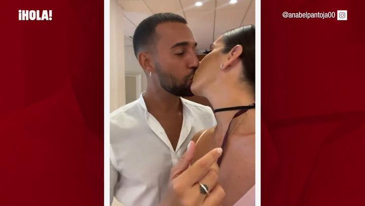 Las imágenes de la boda civil de Anabel Pantoja y Omar Sánchez